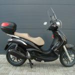 piaggio-beverly300-tourer-zwart-2